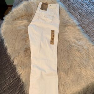 NWT Silver brand white jeans.